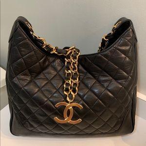 Chanel jumbo shoulder bag